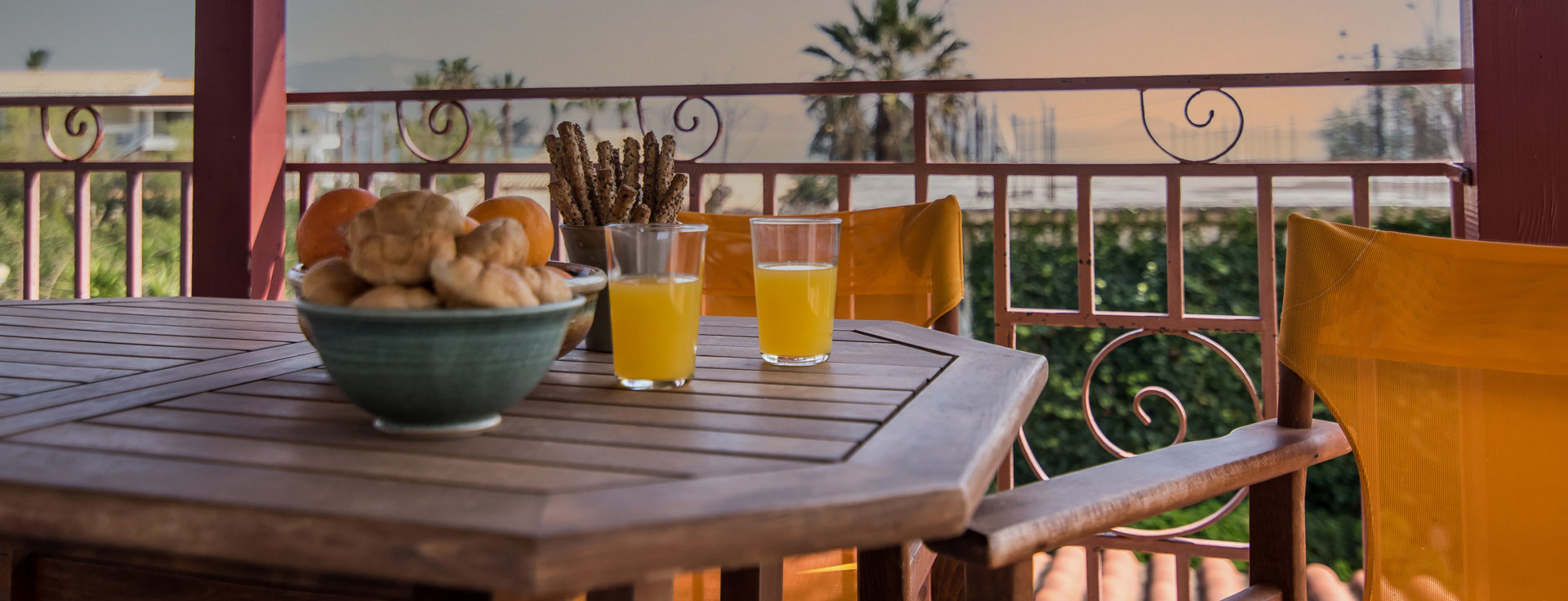 Standard Studio στο Lemonia Accommodations με 3 δωμάτια & βεράντα με θέα τη θάλασσα
